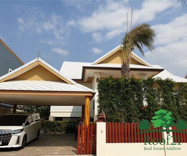Beautiful Thai Modern Style House for rent with private pool.
